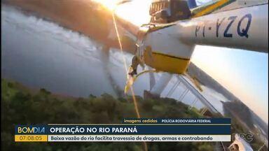 Polícia reforça fiscalização na fronteira - Baixa vazão do rio facilita travessia de drogas, armas e contrabando.