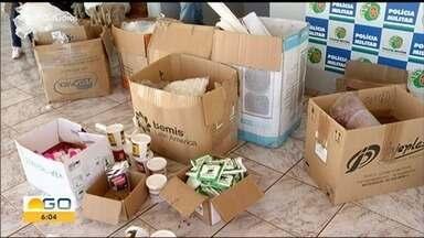 Polícia fecha fábrica clandestina de remédios em Jataí - Substâncias irregulares apreendidas foram apreendidas e descartadas.