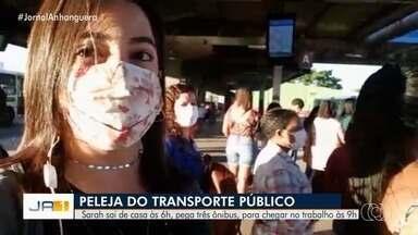 Acompanhe dificuldade de passageira no transporte coletivo de Goiânia - Sara mostra a 'saga' que precisa fazer em duas horas de viagem para chegar ao trabalho.
