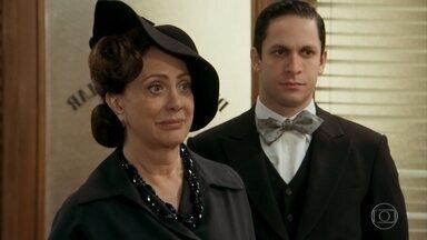 Anastácia contrata o jovem detetive Jack para procurar seu filho perdido - Apesar da inexperiência do rapaz, ela acaba aceitando contratá-lo