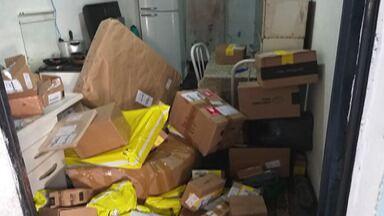 PM de Itaquaquecetuba recupera carga roubada - Veículo utilitário com as mercadorias foi abordado pelos criminosos na tarde desta quarta-feira (29), no Jardim Monte Belo. Uma denúncia anônima levou a PM até uma casa no bairro.