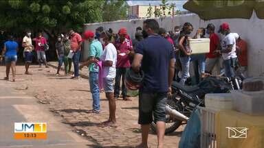 Balsas forma força tarefa para organizar filas em frente a agências da Caixa - A repórter Ana Cardoso tem mais informações.
