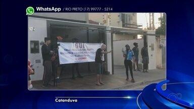 Moradores de Catanduva fazem carreata para apoiar amigo com câncer - Em Catanduva (SP), teve carreata para dar força e mostrar apoio a um morador que está com câncer.