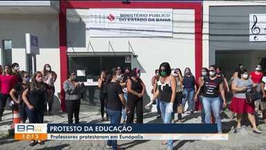 Professores da rede municipal protestam contra decreto da prefeitura de Eunápolis - Manifestação aconteceu na manhã desta terça-feira (5), em Eunápolis.
