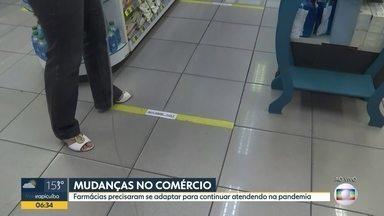 Farmácias se adaptam para continuar atendendo na pandemia - Rede na capital reforça informação aos clientes
