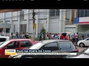 Prefeitura de Unaí deve colocar funcionários para fiscalizar as filas nos bancos - Desde que o pagamento do auxílio-emergencial começou, a aglomeração de pessoas na fila têm aumentado.