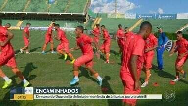 Guarani tem renovação apalavrada de seis jogadores para a série B - Jefferson Paulino, Bruno Silva, Thalyson, Cristovam, Júnior Todinho e Alemão tiveram contratos encerrados durante a paralisação do Brasileiro, mas foram renovados para auxiliar no campeonato.