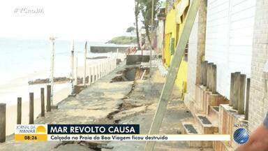 Trecho da orla da praia de Boa Viagem é destruído pela força da maré - O mar revolto deixou o calçadão bastante danificado.