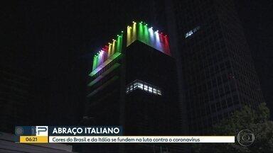 Consulado italiano demonstra apoio na luta do Brasil - Um abraço simbólico entre as cores das duas bandeiras.