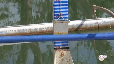 Estiagem faz o DAE de Bauru reduzir a captação de água - O DAE de Bauru reduziu a captação de água do Rio Batalha por causa da falta de chuva, o que provocou a redução do nível da lagoa do reservatório.