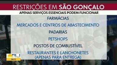 São Gonçalo tem o terceiro dia de bloqueios - Município não aplica multas mas estabelece regras ao comércio