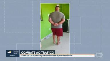 Chefe do tráfico em aglomerado de BH é preso em Betim - Na casa dele, a PM encontrou cem mil reais, uma pistola e munição.