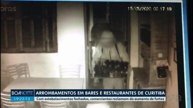 Donos de bares e restaurantes reclamam do aumento de arrombamentos durante a pandemia - Em Curitiba, ladrões arrombam estabelecimentos que estão fechados por causa da quarentena.