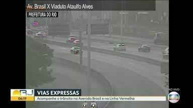 trânsito tranquilo na cidade - Avenida Brasil . Linha Vermelha e Ponte rio-Niterói com trânsito tranquilo !!!