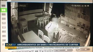 Arrombamentos em bares e restaurantes de Curitiba - Com estabelecimentos fechados, comerciantes reclamam do aumento de furtos.