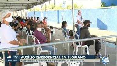 Floriano registra aglomeração em pagamento de auxílio - Floriano registra aglomeração em pagamento de auxílio