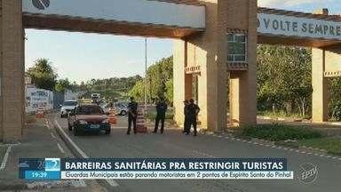 Espírito Santo do Pinhal instala barreiras para restringir entrada de turistas - Guarda Municipal está parando veículos com placas de outros municípios em dois pontos da cidade.