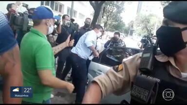 Com clima tenso e ameaças a dirigente, conselheiros escolhem novo presidente do Cruzeiro - Com clima tenso e ameaças a dirigente, conselheiros escolhem novo presidente do Cruzeiro