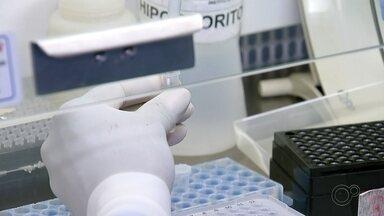 Estado muda critérios para aplicação de testes para coronavírus - O governo de São Paulo mudou os critérios e ampliou a aplicação dos exames para os testes de coronavírus. Em Bauru, três laboratórios fazem os exames.