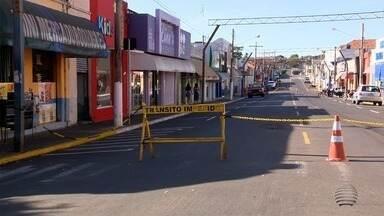 Pacaembu fecha entradas da cidade para tentar conter avanço da Covid-19 - Barreiras sanitárias são realizadas nos principais acessos do município.
