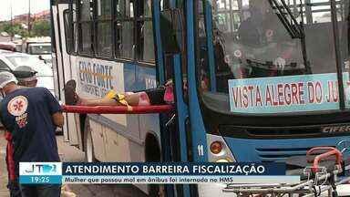 Mulher passa mal e é atendida as pressas em ônibus em Santarém - Segundo o Samu, a mulher está internada no hospital municipal.