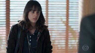 Lica se enfurece com Edgar e fala umas verdades para o pai - Marta tenta acalmar os dois