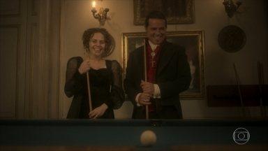 Leopoldina e José Bonifácio jogam bilhar - Bonifácio se surpreende com a habilidade da princesa