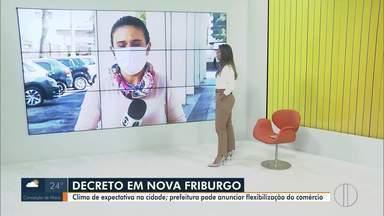 Prefeitura de Nova Friburgo, RJ, pode anunciar novo decreto com flexibilização do comércio - Cidade está em clima de expectativa sobre o novo decreto que será anunciado em live às 18h30 desta segunda-feira (25).
