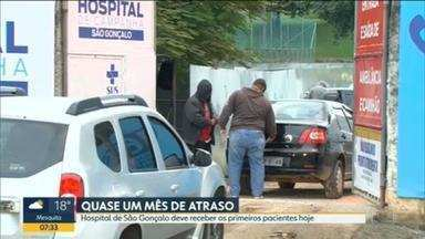Hospital de campanha de São Gonçalo deve receber os primeiros pacientes nesta quinta-feira (28) - O hospital vai receber os primeiros pacientes depois de quase um mês de atraso. Ainda assim, mesmo tendo 200 leitos, só vai poder receber inicialmente 10 pacientes.