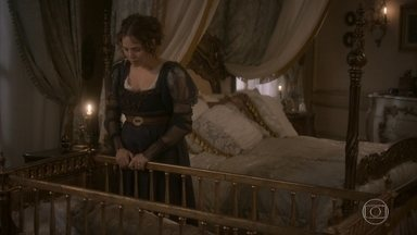 Bonifácio tenta tranquilizar Leopoldina - O ministro garante que a morte de João Carlos foi uma fatalidade e que a princesa não teve culpa. Ele conversa sobre suas filhas até que Leopoldina adormece em seu ombro