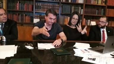 Bolsonaro promete vaga no Supremo para Augusto Aras - O procurador-geral da República, Augusto Aras, é quem vai decidir se denuncia ou não o presidente por interferência na PF.
