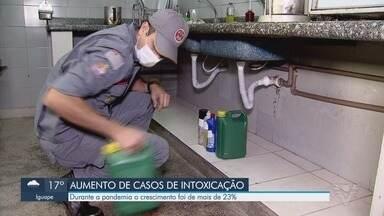 Casos de intoxicação em casa aumentam durante quarentena - Durante a pandemia o crescimento de intoxicação com materiais de limpeza foi de mais de 23%.