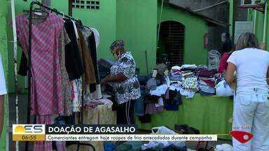 Moradores de Jardim Camburi fazem campanha do agasalho para ajudar comunidade da Serra - Entrega acontece na tarde desta quinta-feira em Balneário de Carapebus