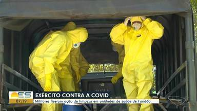 Exército vai até Fundão fazer limpeza e desinfecção de unidades de saúde - Militares usaram roupas de proteção em mais uma ação de combate ao novo coronavírus