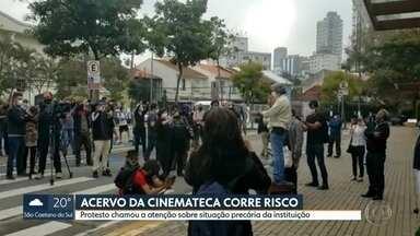 Cineastas e fotógrafos protestam contra más condições da Cinemateca - Acervo da instituição corre risco. Contas e salários de funcionários estão atrasdos.