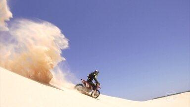 De moto nos Lençóis Maranhenses: beleza e desafio sobre duas rodas - Conheça experiência de pilotar motos numa das regiões mais bonitas do país.