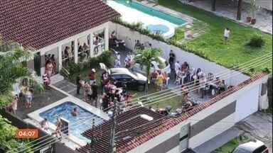 Polícia interdita festas clandestinas em Manaus - O governo autorizou apenas a volta dos serviços essenciais, Neste domingo (7), a Polícia foi chamada por causa de uma festa com aglomeração e som alto.
