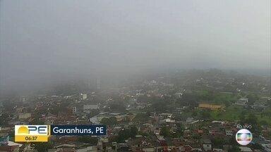 Mês de junho traz baixas temperaturas para o Agreste de Pernambuco - Em Garanhuns, temperaturas baixas fizeram moradores tirarem os agasalhos do armário.