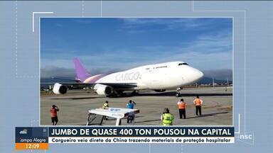 Cargueiro com quase 400 toneladas pousa em Florianópolis pela primeira vez - Cargueiro com quase 400 toneladas pousa em Florianópolis pela primeira vez