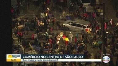 Segunda-feira tem mais aglomerações em ruas de comércio na região central - Comerciantes vão ao Brás em busca de produtos apesar da pandemia que já matou mais de 5 mil pessoas na cidade.