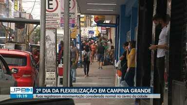 Veja como foi o 2º dia de flexibilização em Campina Grande - Ruas registraram movimentação considerada normal no centro da cidade.