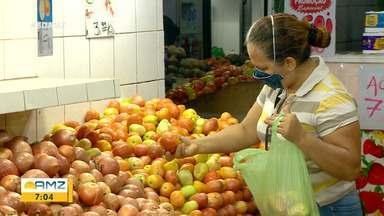 Consumidores reclamam do preço das hortaliças na pós-quarentena - Produtores afirmam que baixa no consumo impactou preço final.