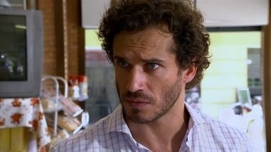 Guaracy se preocupa com Dagmar - Ele pede que Quinzé converse com a cozinheira