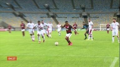 Flamengo vence o Bangu por 3 a 0 - Gabigol foi eleito o atacante melhor em campo mesmo sem fazer gol.