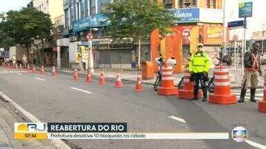 Prefeitura do Rio desativa bloqueios no Méier - A Rua Dias da Cruz foi liberada na manhã desta sexta-feira (19). Ao todo, 10 bloqueios foram desativados.