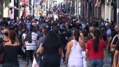 Depois de registrar aglomerações, Campinas (SP) dá um passo atrás na reabertura - Durante uma semana, apenas os serviços considerados essenciais vão poder ficar abertos.