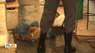 Começam os trabalhos de limpeza e desinfecção no Mercado da Produção em Maceió - Confira na reportagem.