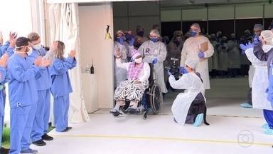 Prefeitura de SP fecha Hospital de Campanha do Pacaembu, 1º construído na pandemia - O governo do estado anunciou multa de R$ 500 para quem não usar máscaras em áreas públicas e de R$ 5 mil por cliente para o estabelecimento que não exigir máscaras.