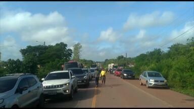 Moradores da zona rural interditam trecho da Alça Viária, no Pará - Moradores da zona rural interditam trecho da Alça Viária, no Pará