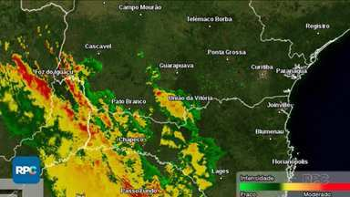 Paraná deve registrar temporais em várias regiões - Confira a previsão do tempo.